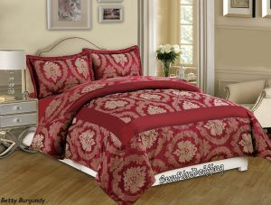 Set of decorative bedspread and 2 pillowcases