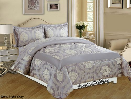 Set of decorative bedspread and 2 pillowcases. Double size