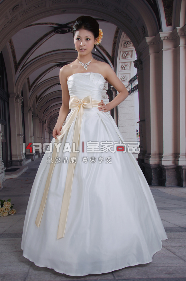 "Ivory wedding dress ""Rafaello"". Size 8"